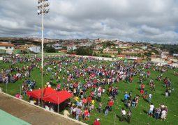 Em dia ensolarado, 24º Natal do Menor é realizado em São Gotardo