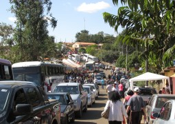 Dezenas de ônibus de São Gotardo foram para a Água Suja celebra o dia de Nossa Senhora da Abadia