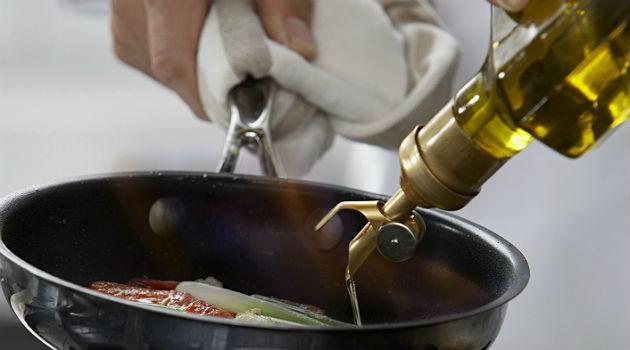 azeite-quente-faz-mal