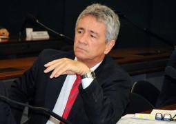 Deputado que não se reelegeu se diz 'desmotivado' e renuncia ao mandato