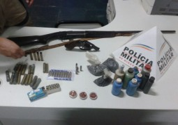 Após denúncia, Polícia Militar de São Gotardo faz apreensão de armas e munição em Fazenda