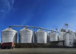 Capacidade de armazenagem de grãos do Brasil crescerá em 2015; déficit permanece