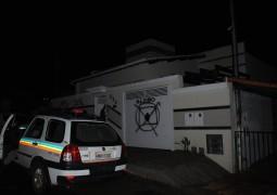 Radialista de São Gotardo tem sua casa pichada