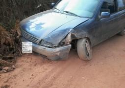Estrada que liga São Gotardo ao Gordura também está danificada após o periódo de chuvas e causa acidente