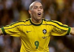 Com 38 anos, Ronaldo Fenômeno voltará jogar futebol profissionalmente