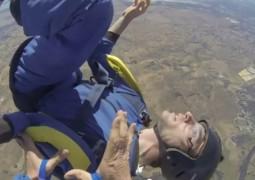 Homem sofre ataque epilético ao saltar de paraquedas