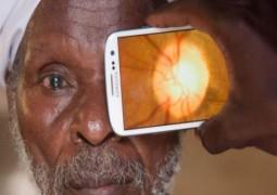 Aplicativo de celular pode salvar milhões de pessoas pobres da cegueira