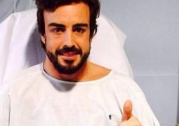 """Após acidente em Barcelona, Fernando Alonso """"acorda em 1995"""" e """"sonha e ir para a Fórmula 1"""""""
