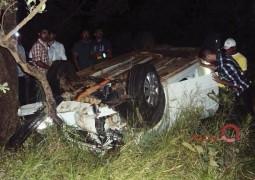 Motorista de São Gotardo capota veículo após o condutor de outro carro reduzir a velocidade na BR-354
