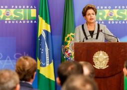 Dilma admite erro no FIES e Ministério anuncia novas mudanças no programa