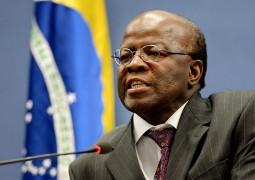 Barbosa compara momento brasileiro com eventos históricos que derrubaram governos