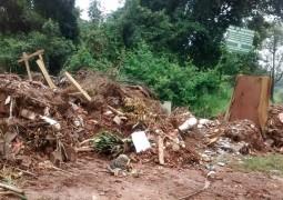 Area de recuperação ambiental próxima a Nascente em Matutina vira depósito de lixo e entulhos