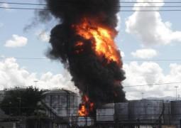 Incêndio em Porto de Santos só acabará quando todo o combústivel for queimado em tanques atingidos