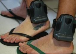 Tornozeleiras evitam 137 fugas de presos em saídas temporárias por ano após sua implantação