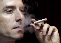 Cigarros eletrônico contém 10 vezes mais substâncias cancerígenas do que os cigarros comuns