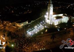 Durante  encenação da Sexta-Feira da Paixão, drone faz imagens belíssimas da Igreja Matriz de São Gotardo