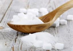 """Segundo pesquisa, açúcar é """"potencialmente tóxico"""" e pode matar você!"""