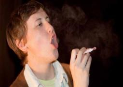"""Nova droga? A última """"tendência"""" entre jovens americanos é fumar e cheirar doces amassados"""