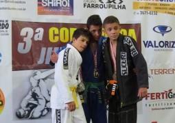 3ª Copa Panda Jiu-Jitsu acontece e Escola Sangotardense fatura 26 medalhas