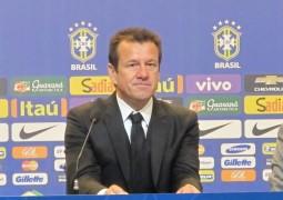 Dunga convoca Robinho e deixa Oscar fora da disputa da Copa América