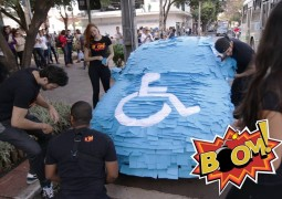 Vídeo de carro que parou na vaga para pessoas com deficiência era pegadinha