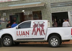 Equipe de produção de Luan Santana visita São Gotardo para divulgar show e novo CD do cantor