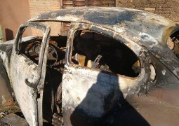 Menores incendeiam três carros em Rio Paranaíba