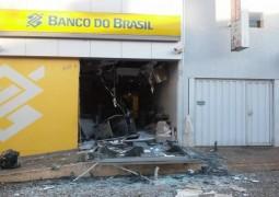 Ladrões explodem caixa de Agência Bancária na cidade de Campos Altos