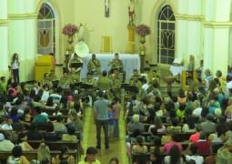 Orquestra da Banda de Música da 10ª RPM se apresenta na Igreja Matriz de São Gotardo