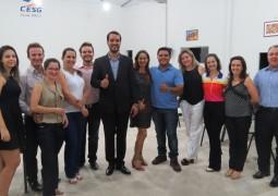 Master Coach Marcio Sumay realiza palestra de Autoliderança com alunos do CESG em São Gotardo