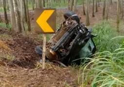 Três veículos se envolvem em acidente na rodovia de acesso à BR 354