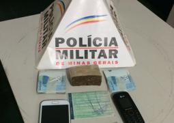 Jovem de Tiros é preso em São Gotardo após PM encontrar droga em veículo