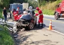 Motorista de 28 anos de idade morre em grave acidente na BR-262 próximo à Campos Altos