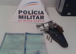 """Polícia Militar de São Gotardo realiza """"Operação Desmanche"""" e apreende carros e arma"""