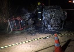 Motorista morre carbonizado em grave acidente na BR-354