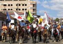 Cavalgada da Fenacen 2016 é realizada em São Gotardo