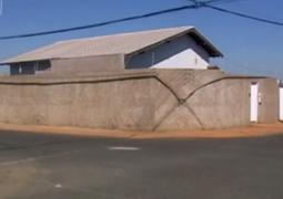 Padres são mantidos reféns durante assalto em Araxá