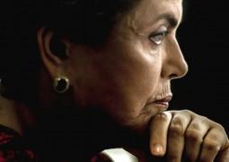 Senadores aprovam parecer, Dilma vira ré e vai a julgamento em plenário