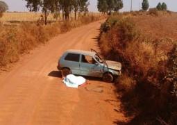 Mulher morre após capotamento de veículo em estrada vicinal de Tiros