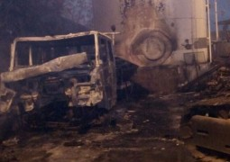 Incêndio iniciado em vegetação atinge Ferroviária na cidade de Ibiá
