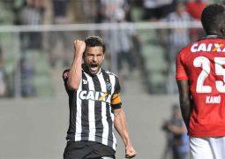 """Fred chama a responsabilidade, Atlético Mineiro vence e segue na """"cola"""" do Palmeiras"""