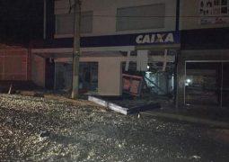 Criminosos explodem agência bancária pela segunda vez em Campos Altos