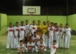 Escola Estadual Coronel Oscar Prados oferece aulas gratuitas de capoeira para alunos