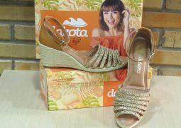 Passo a Passo Calçados lança coleção  Primavera Verão de calçados femininos em São Gotardo
