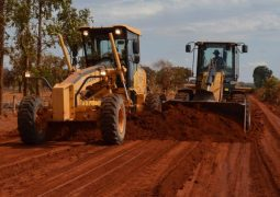 Máquinas já preparam a estrada que liga Campo Alegre à BR 354 que será asfaltada
