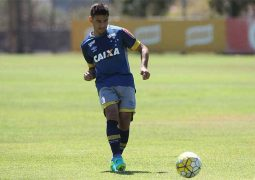 Jogadores de meio-campo suprem queda de rendimento de atacantes do Cruzeiro na Série A