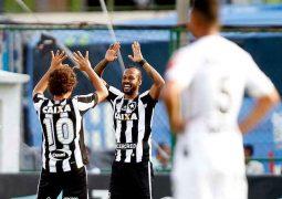 Atlético começar perdendo, busca empate, mas acaba derrotado nos minutos finais pelo Botafogo