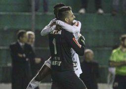 Victor volta a ser herói, Atlético bate Juventude nos pênaltis e encara o Inter na semifinal
