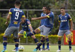 Sem três titulares, Cruzeiro divulga relacionados para jogo contra Atlético-PR no Sul; veja a lista