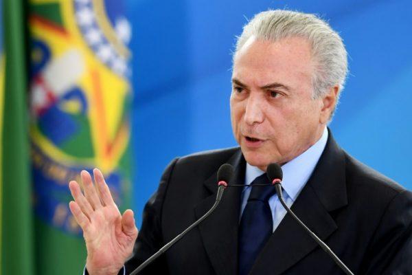 Foto Capa: http://istoe.com.br/reforma-da-previdencia-tambem-atingira-classe-politica-diz-temer/